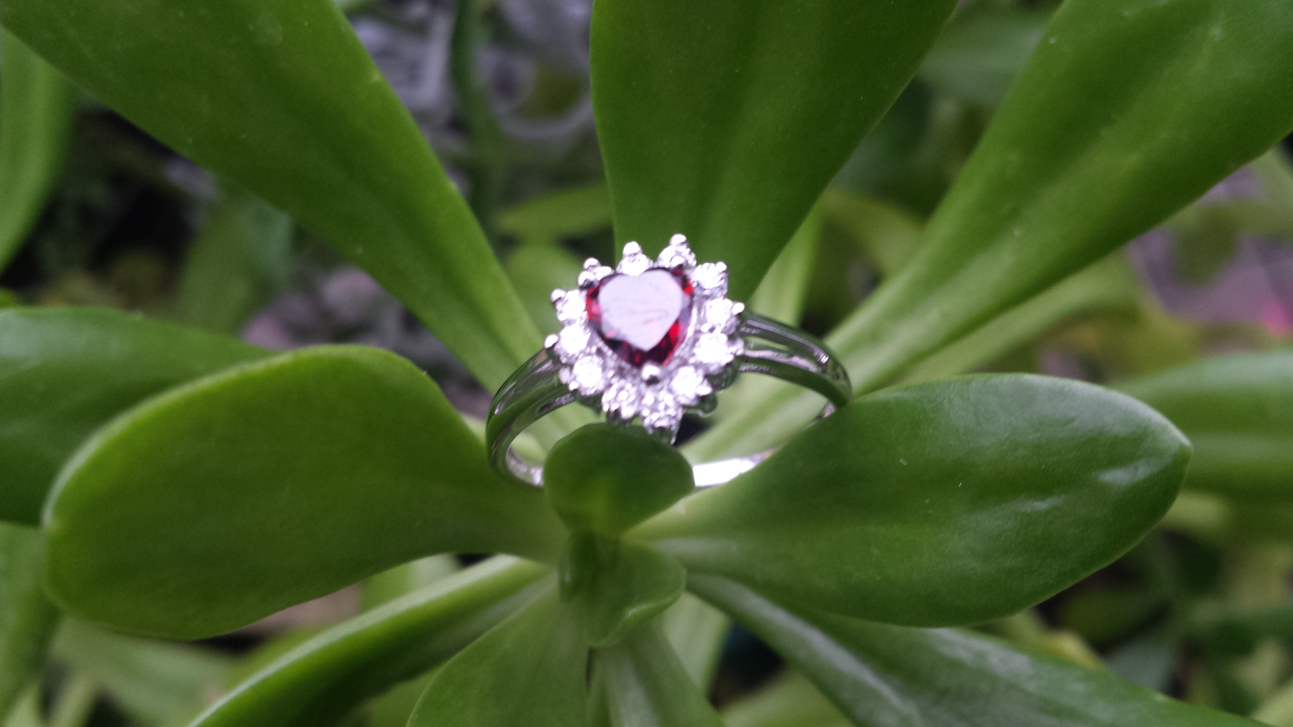 925 STERLING  SILVER RED  CUBIC ZIRCONIA HEART RING